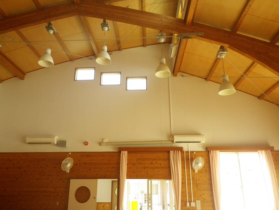 南部幼稚園遊戯室空調設備設置工事
