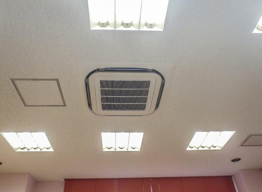 施工写真:看護研究交流センター空調改修工事3