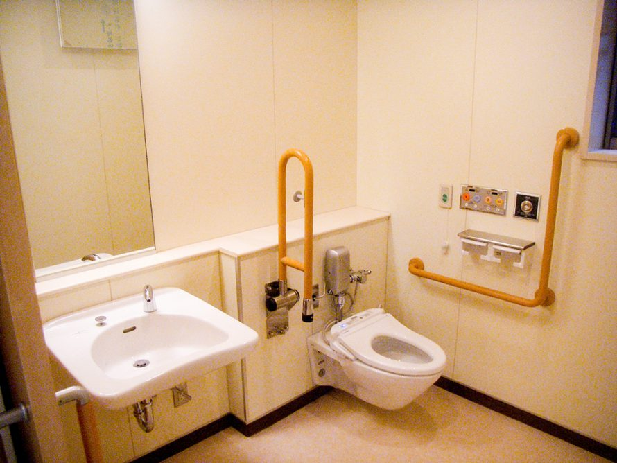 施工写真:大分大学(王子)休養室4